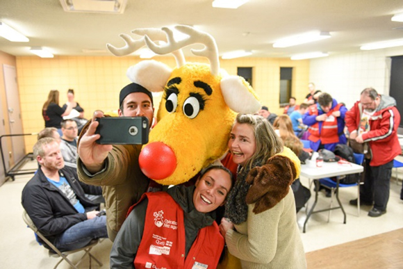 Since 1984, more than 1.1 million Canadians have volunteered with Operation Red Nose and the program provides over 76,000 rides in Canada each year. In 2015, an important milestone was reached: the two millionth ride was given since the beginning of the program.